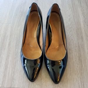 WORN TWICE!  VIONIC Mia Patent Leather Pumps